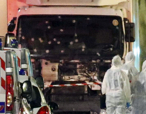 Camion tras el tiroteo
